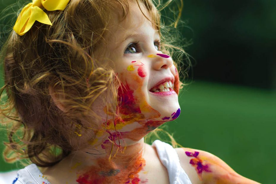 creative-play-with-paint